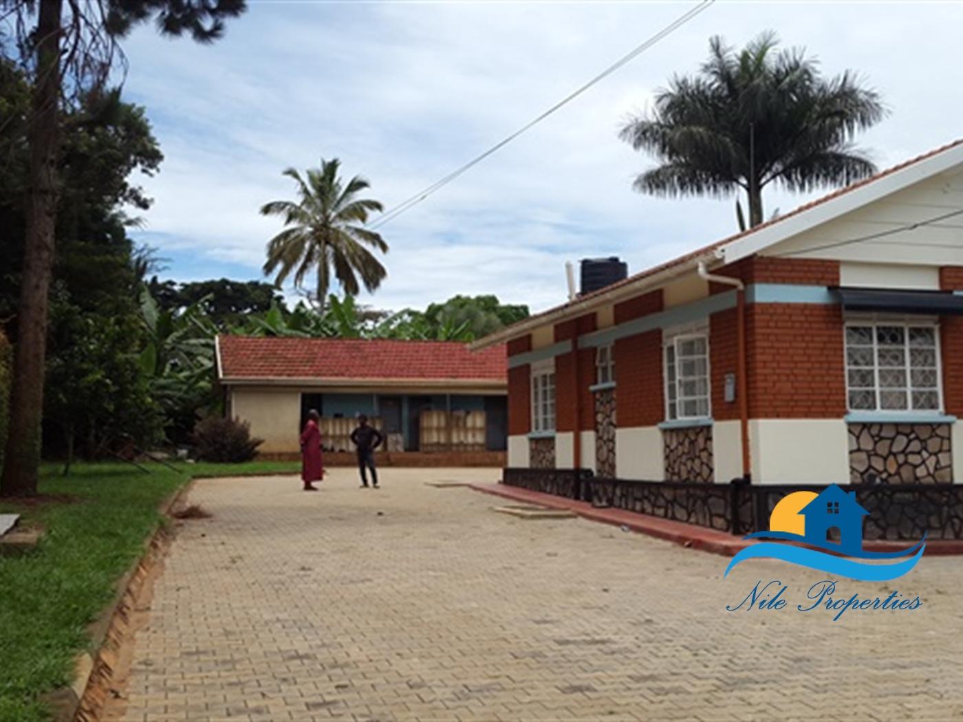 Storeyed house for rent in Kiira Jinja