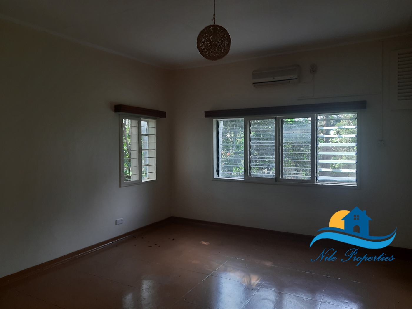 Storyed house for rent in Kiira Jinja