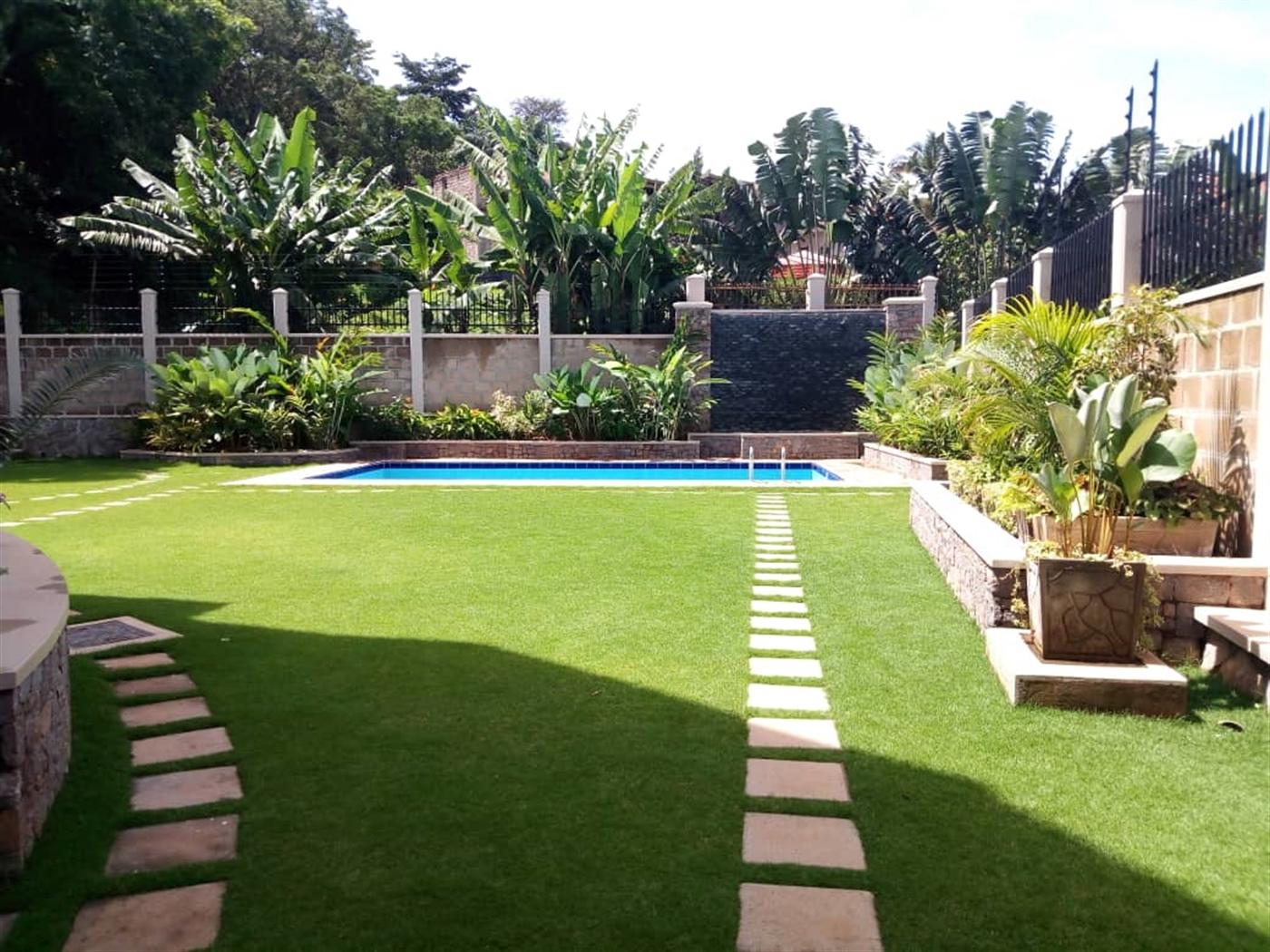 Villa for sale in Muyenga Kampala