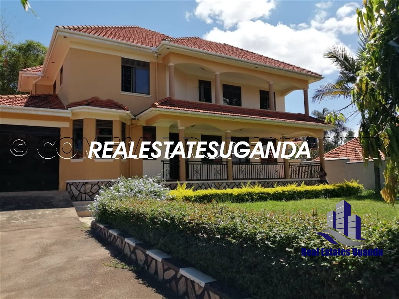 Villa for sale in Munyonyo Kampala