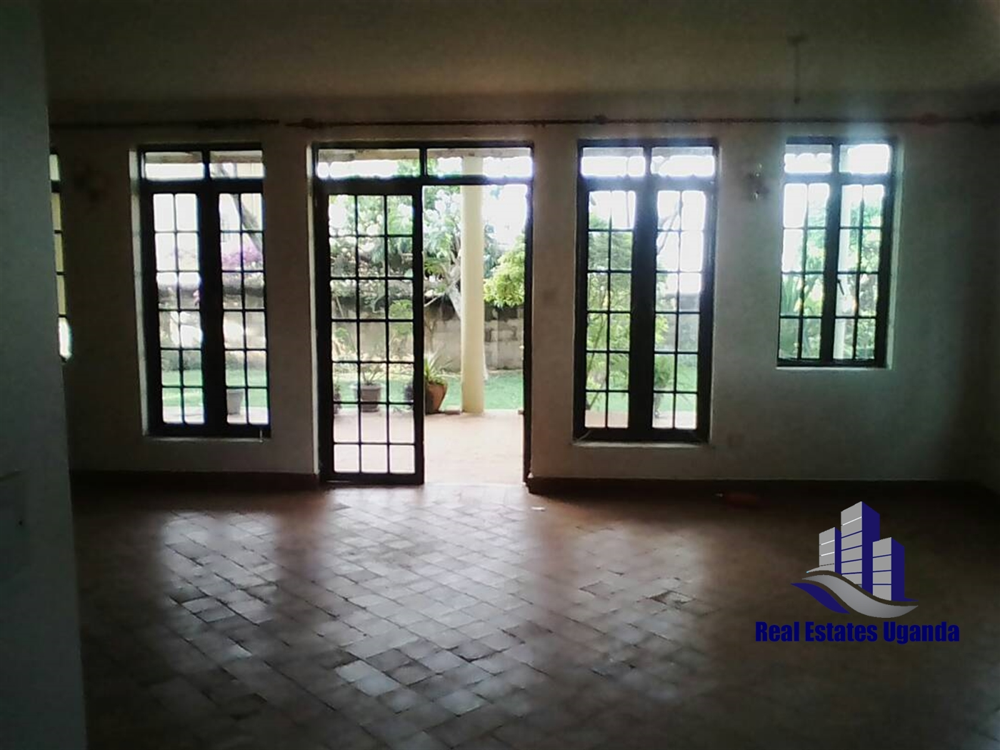 Villa for sale in Makindye Kampala