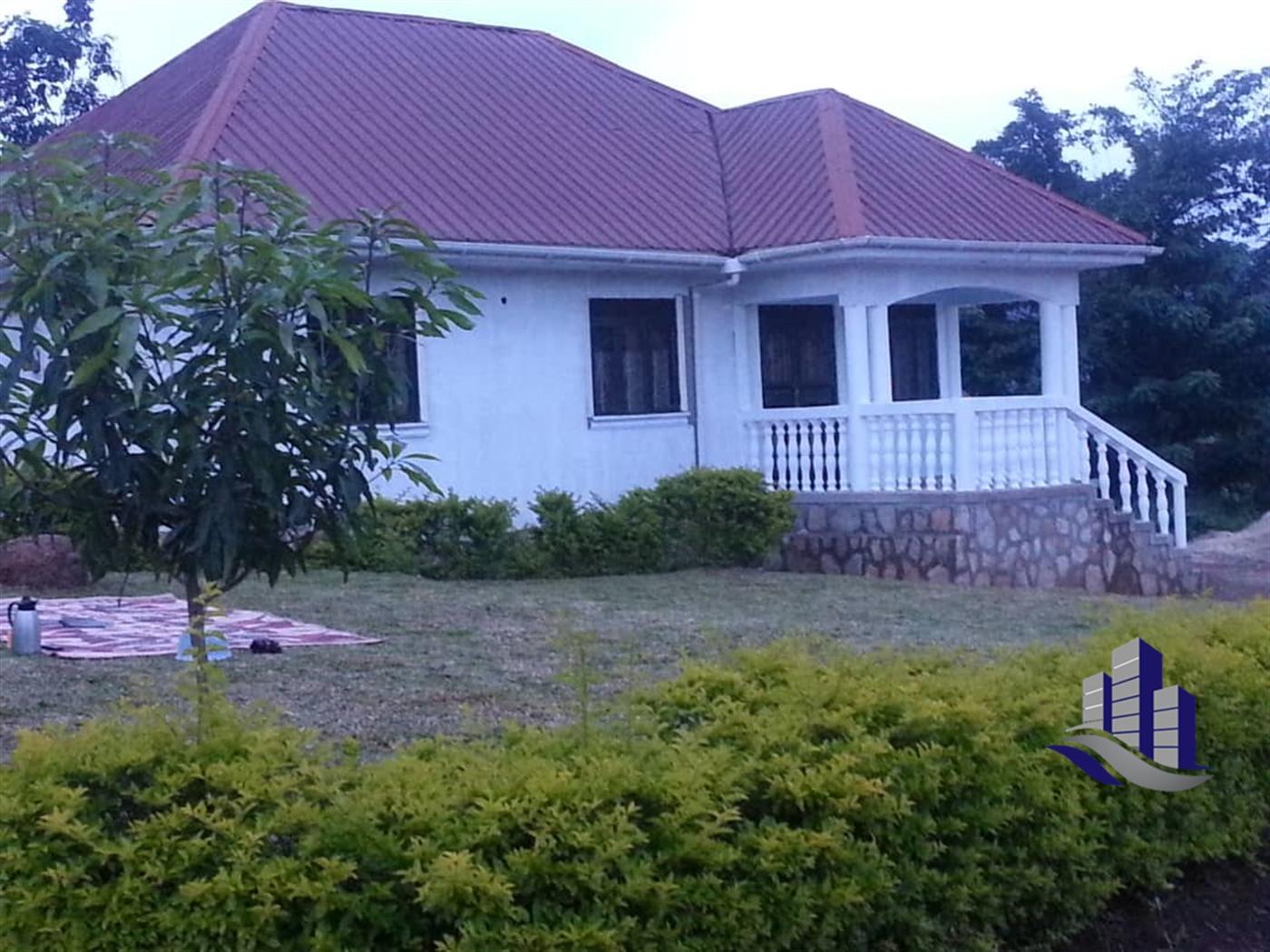 Bungalow for sale in Kikubampanga Wakiso