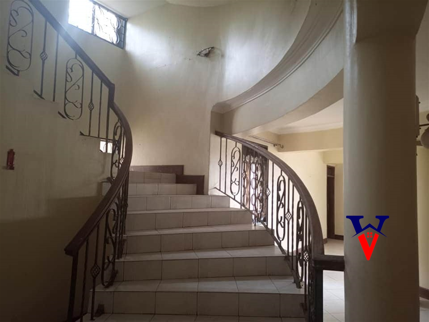 Mansion for rent in Mutungo Kampala
