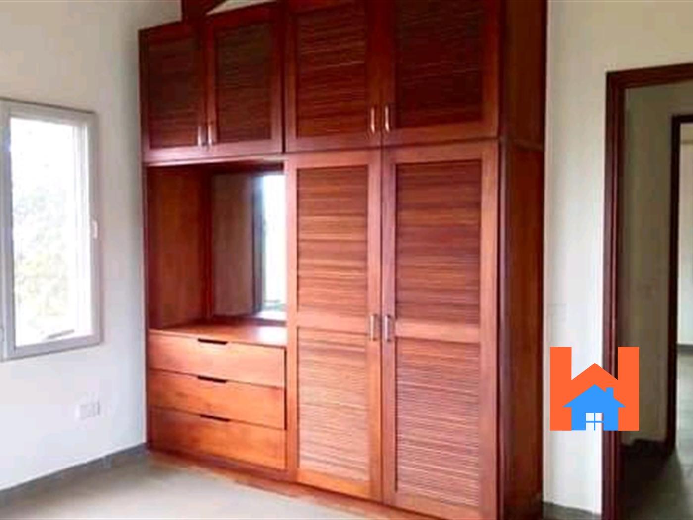Maisonette for sale in Lubowa Kampala
