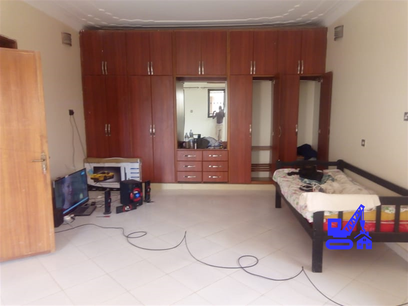 Storyed house for rent in Bweyogerere Wakiso