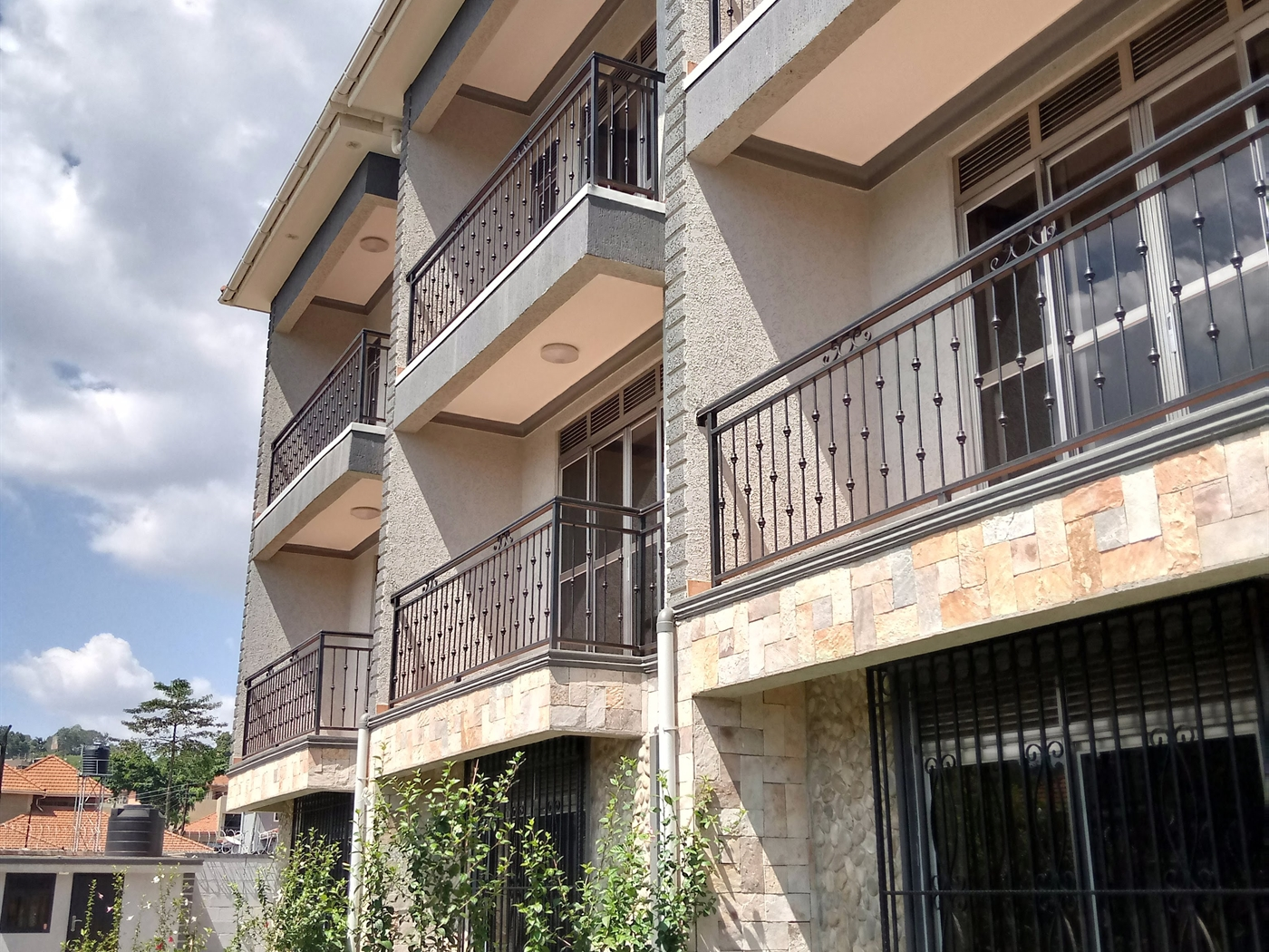 Villa for sale in Muyenga Kampala