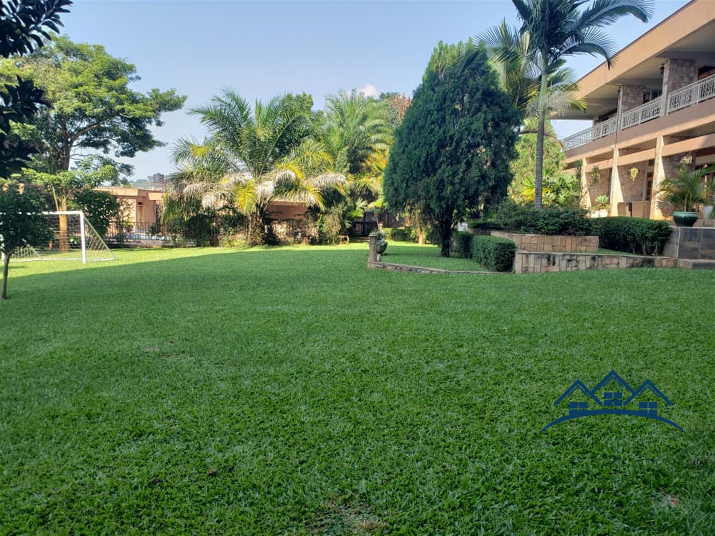 Storyed house for sale in Makindye Kampala