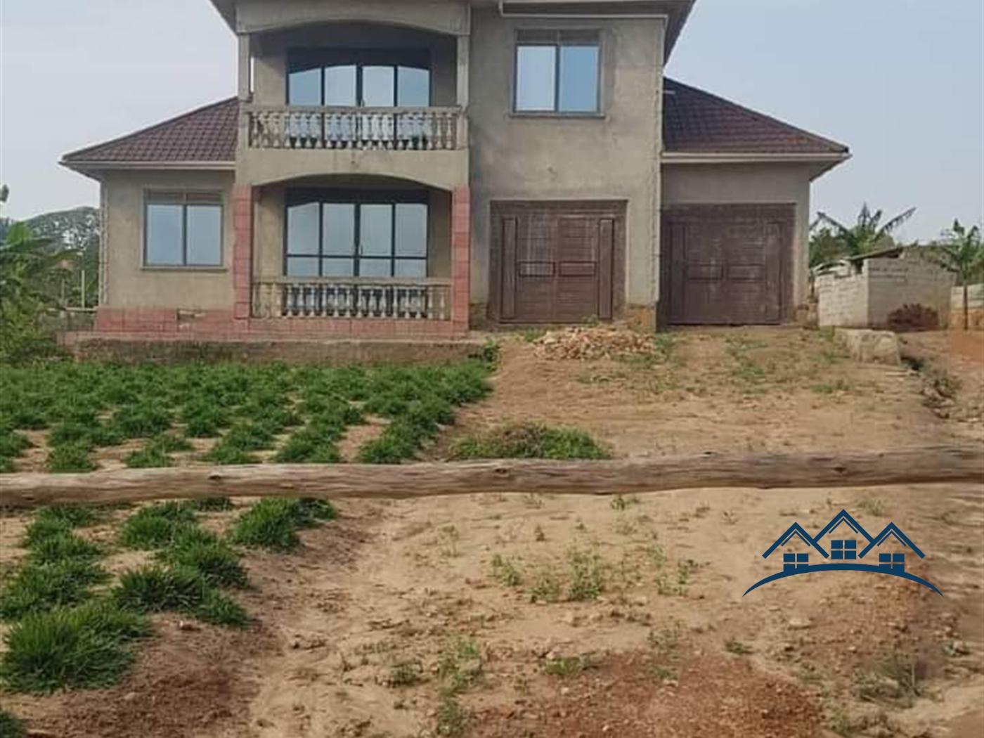 Storeyed house for sale in Nsangi Wakiso
