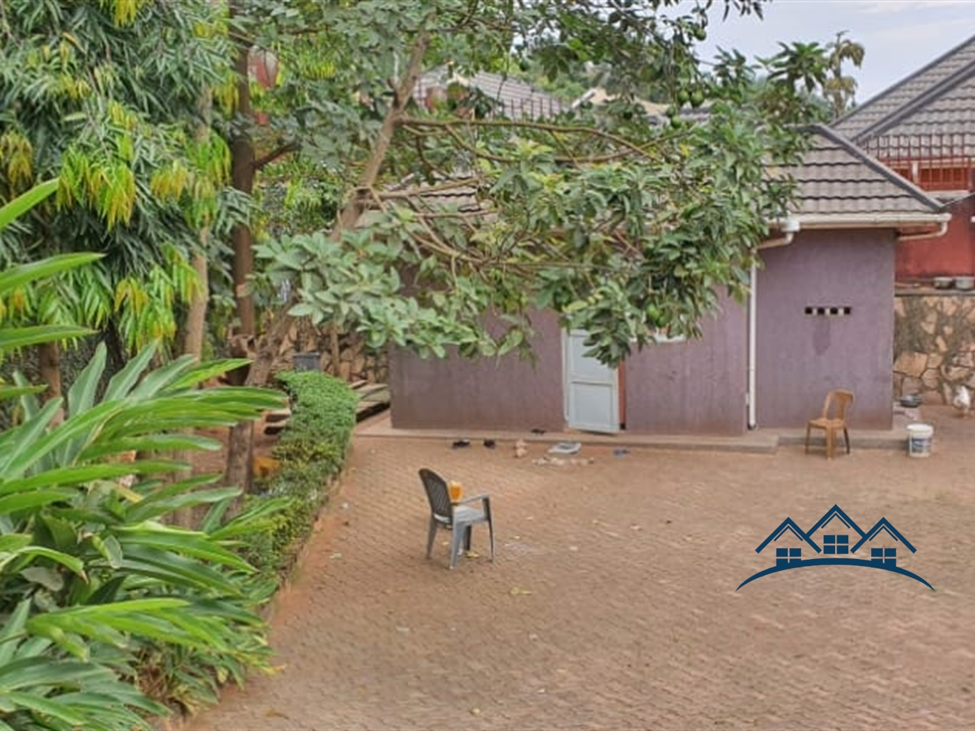 Storyed house for sale in Zzana Wakiso