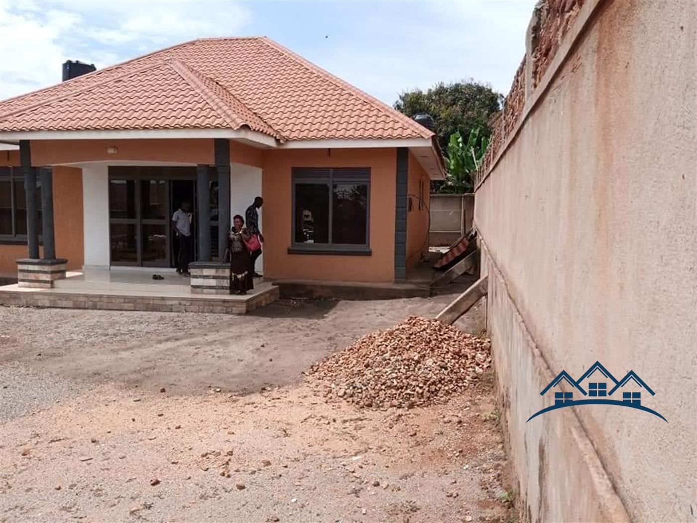 Bungalow for sale in Kimwanyi Wakiso