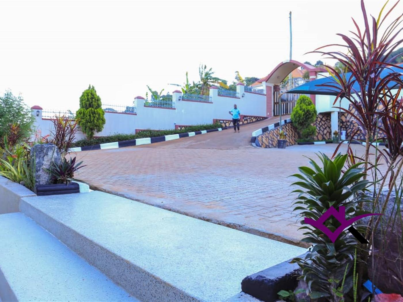 Storeyed house for sale in Zana Wakiso