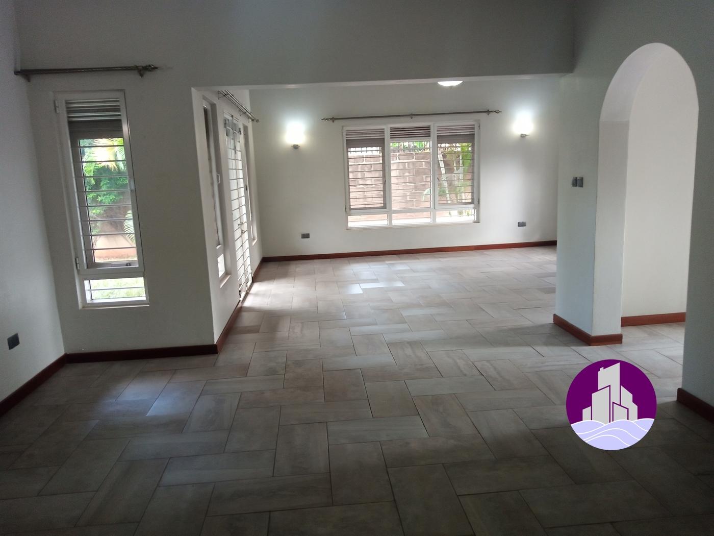 Bungalow for rent in Kiwaatule Kampala