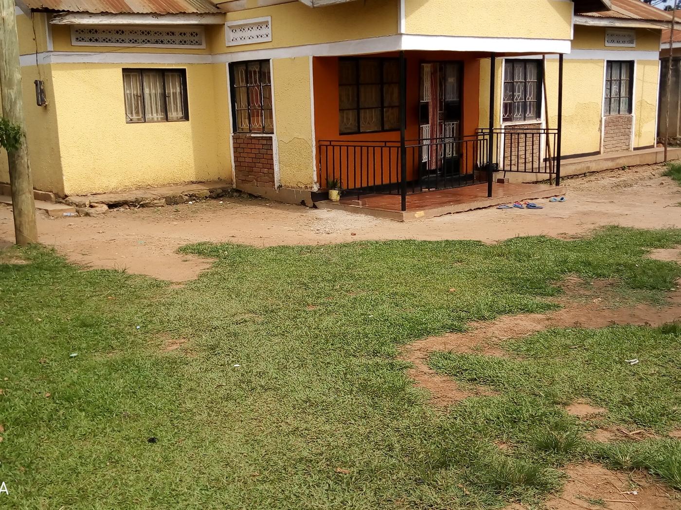 Shell House for rent in Zana Wakiso
