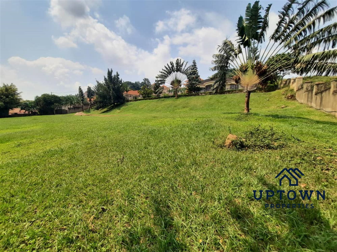 Mansion for sale in Mutundwe Wakiso
