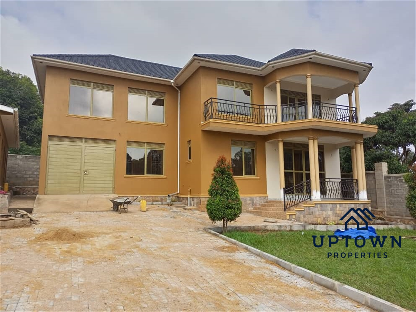 Storeyed house for sale in Lutembe Wakiso