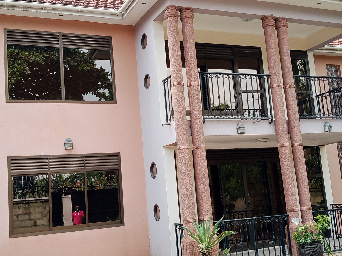 Shell House for sale in Manyangwa Kampala
