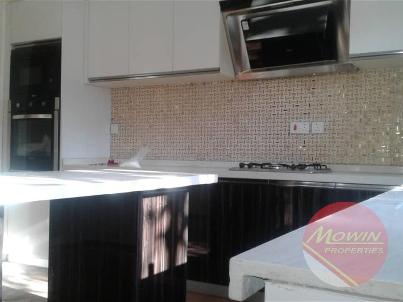 Villa for sale in Portbell Kampala